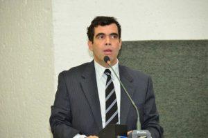 Ricardo Ayres comemora primeiro vestibular em Paraíso e relembra lutas históricas pela Unitins