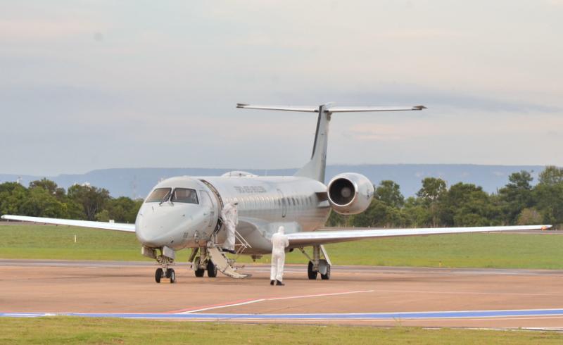 Governo do Tocantins presta assistência no pouso técnico, em Palmas, de avião que transportava pacientes com covid-19 oriundos de Manaus