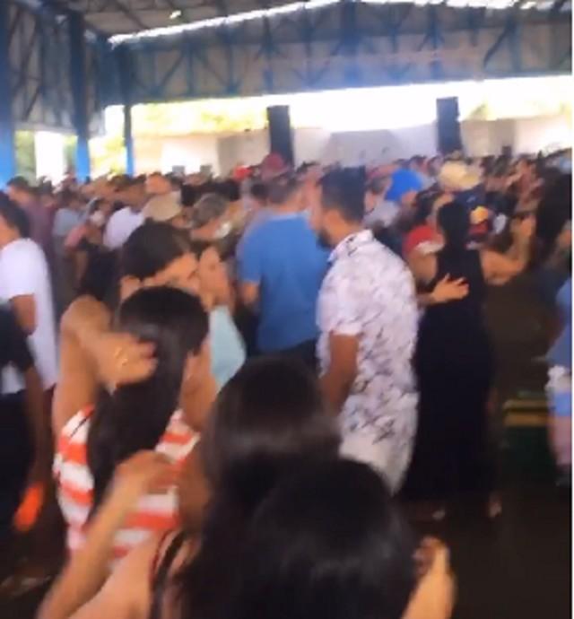 Promotoria abre investigação sobre festa promovida por prefeito e vereadores de Aliança do Tocantins